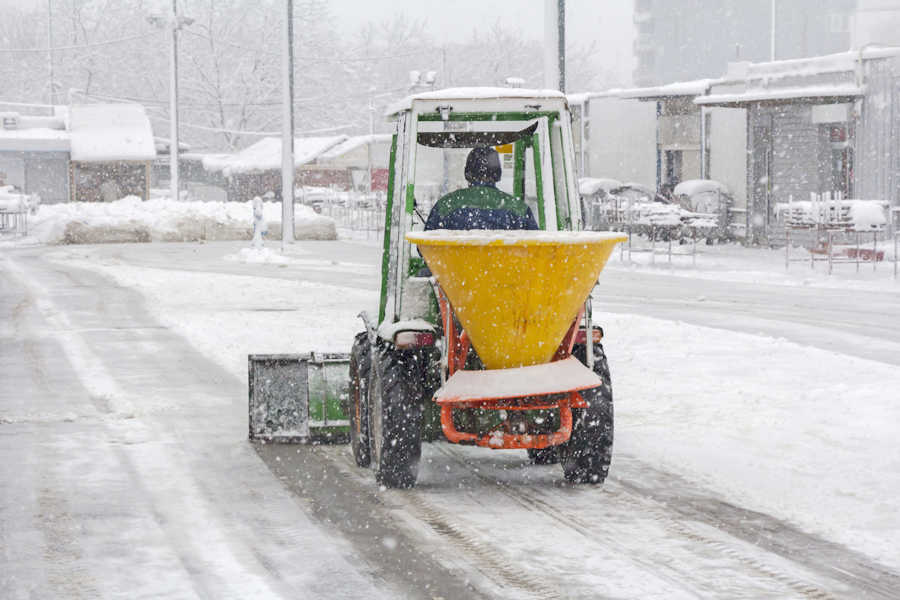 de-icers for sidewalks and pathways